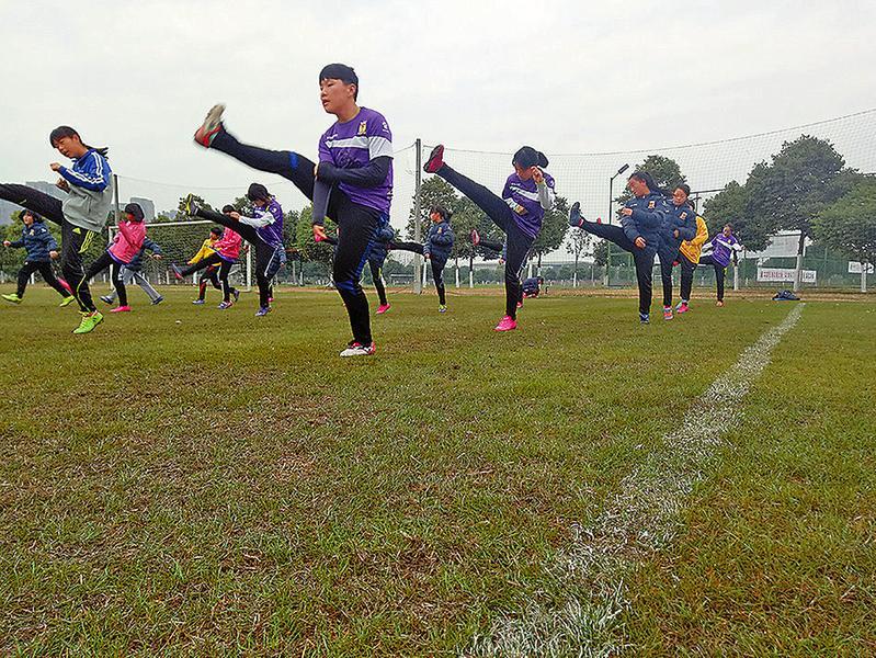 志丹县足球女队首次参加全国女足锦标赛