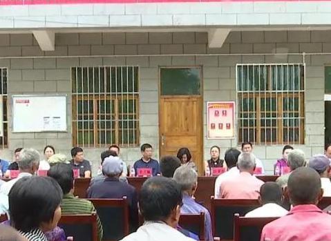 延安市委组织爱心企业来志丹县开展爱心捐赠活动